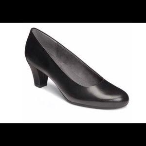 "Aerosoles ""Shore Thing"" black leather 2.25"" heels"